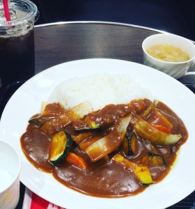 夏野菜カレー+アイスコーヒー