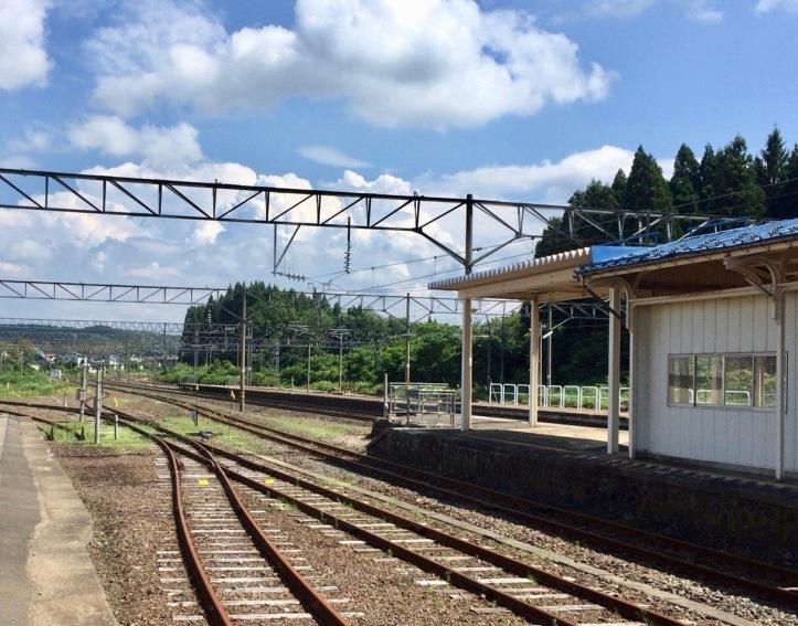 少々寂しいが、さすがに幹線の主要駅の趣。